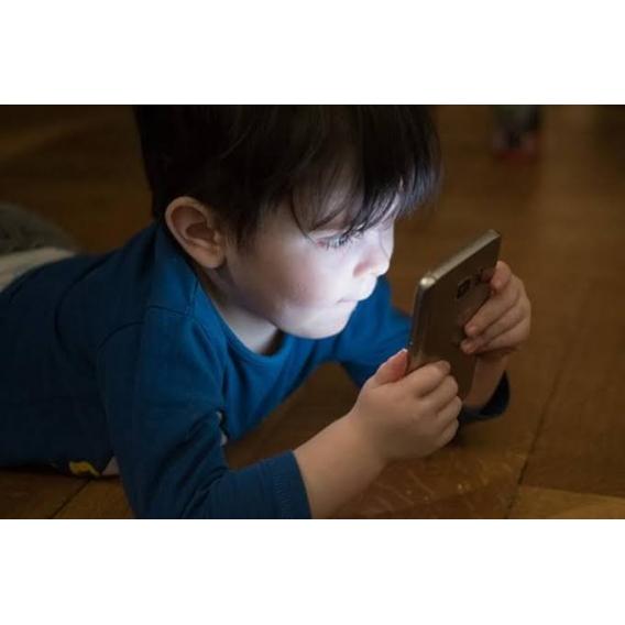 Cep Telefonu Ekranları Uyku Düzenini Bozar Mı ?