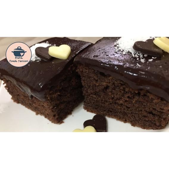 Özel Çikolata Soslu Kek Tarifi